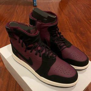 Air Jordan 1 Rebel Womens 7.5